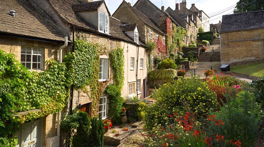 Airport Transfers from Tetbury, Wiltshire.